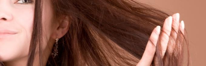 Почему выпадают волосы на голове у подростка причины